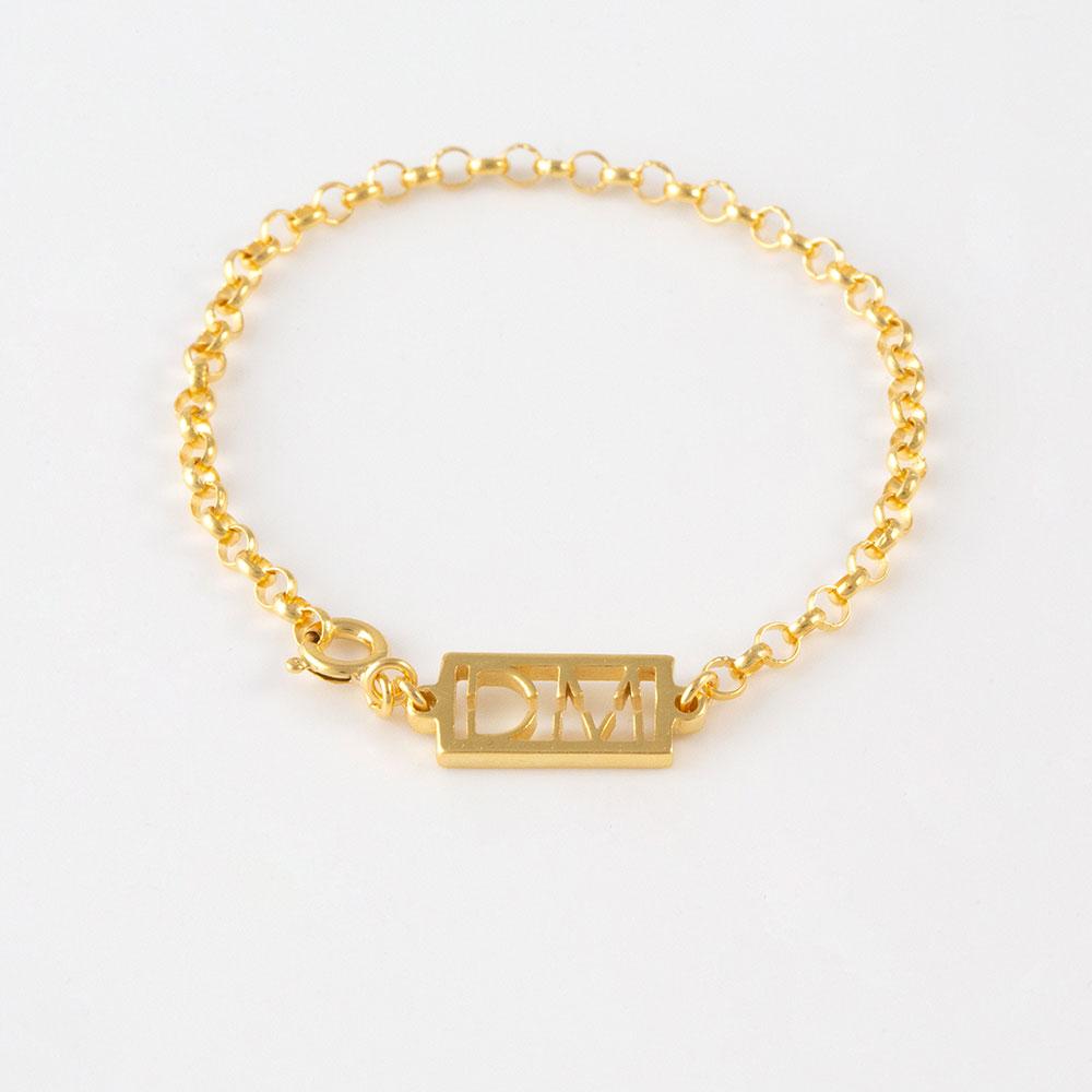 ONE-BRACELET-GOLD-1